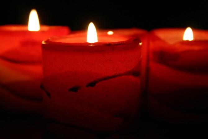 Приворот сексуальный с урасной свечой