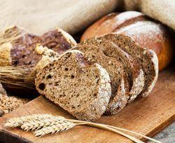 Сухарь черного хлеба